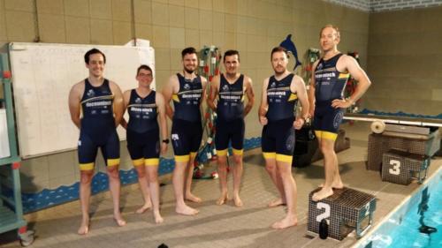 Eerste zwemtraining met de nieuwe trisuits